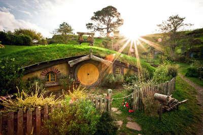 Побывать в Хоббитоне (Новая Зеландия)