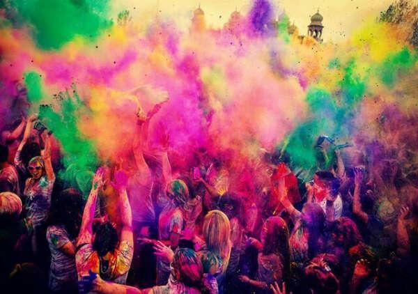 Посетить фестиваль красок