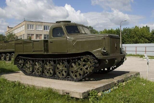 Посетить Рязанский музей военной автотехники