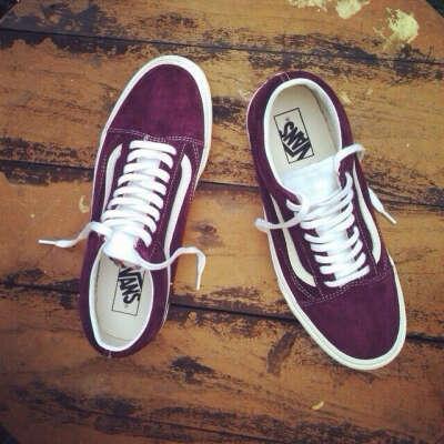 Vans Old Skool вишневого цвета