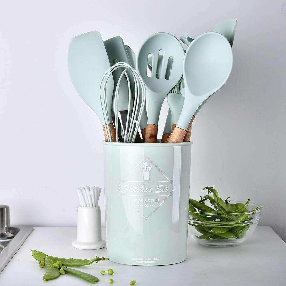 Набор кухонных предметов
