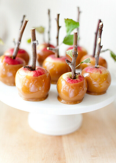Яблоки в карамели