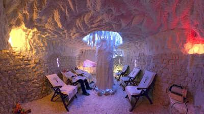 Посетить соляную пещеру