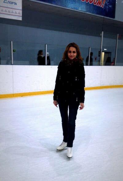 Научиться суперски кататься на коньках. Умею, кататься, но надо лучше. Научите! :))