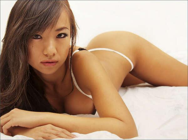Nude girl photoshooting