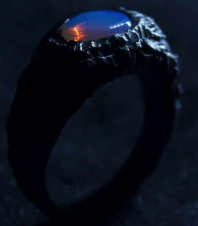 перстень от коли @sat.jwlr