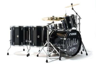 хочу научиться играть на барабаной установке.