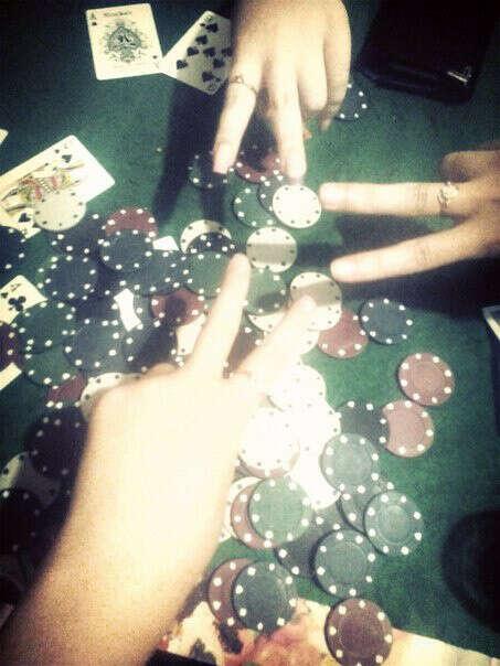 Научиться играть в покер ;)