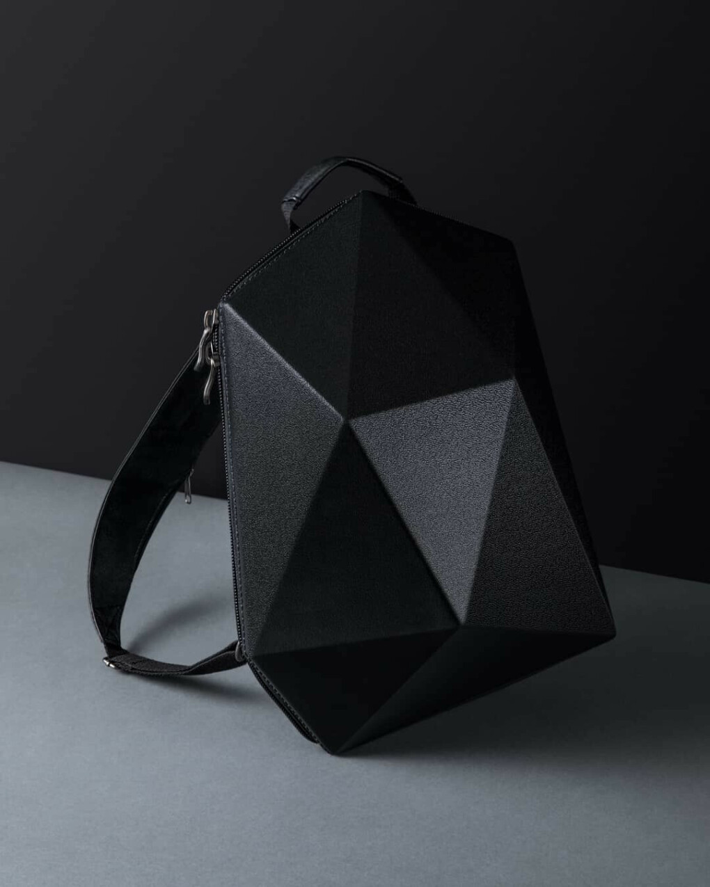 """CVG Shape (City Vagabond) on Instagram: """"А мы обновили наш рюкзак ???? Теперь, если вы хотите разнообразить цвет или если твердая часть рюкзака потерлась со временем, вы можете…"""""""