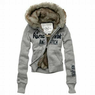кофта Abercrombie and Fitch.