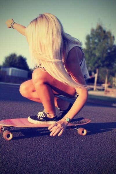 Научится кататься на скейтборде