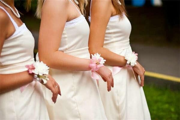 Быть свидетельницей на свадьбе