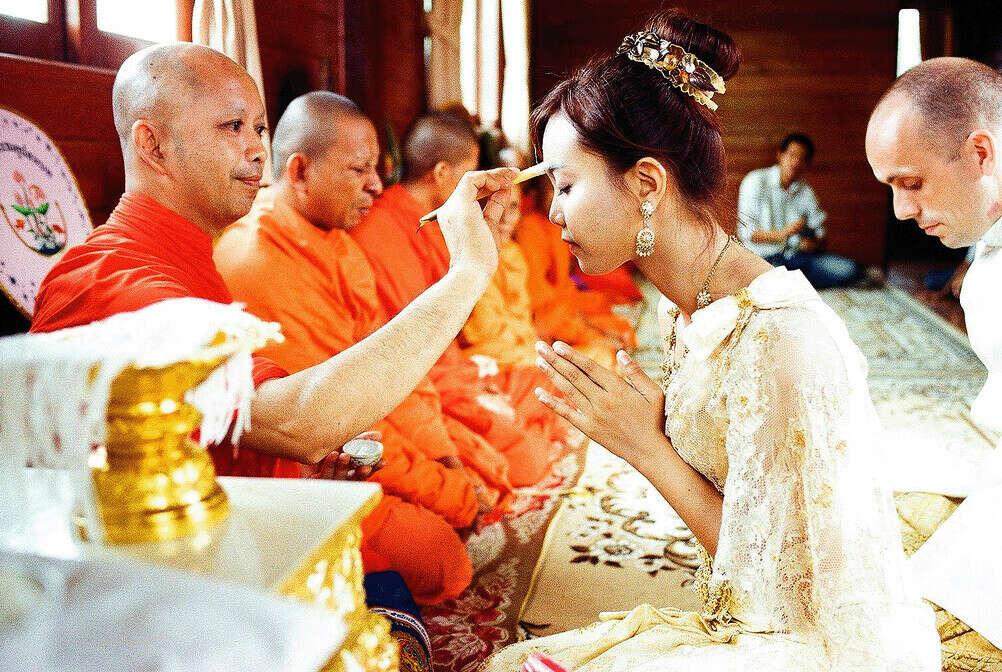 Обвенчаться в буддийском храме