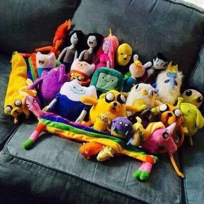"""Всех персонажей из """" Adventure Time""""."""