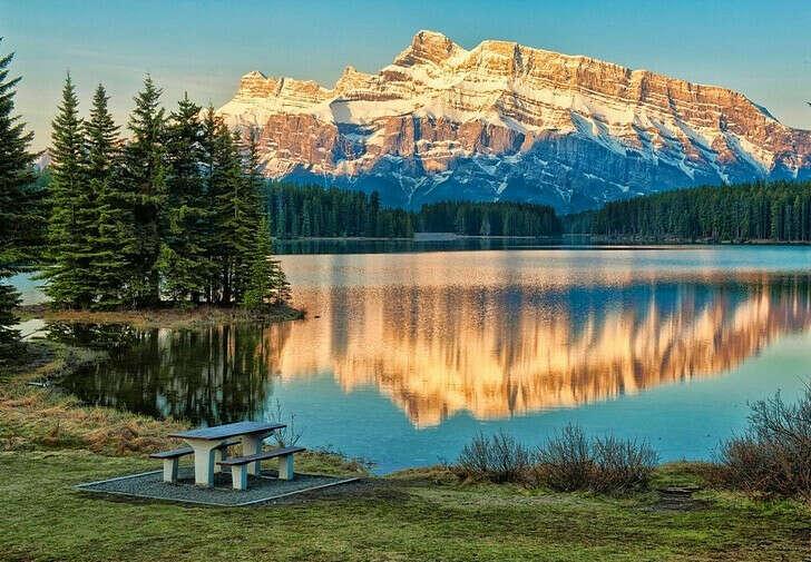 Побывать в Канаде