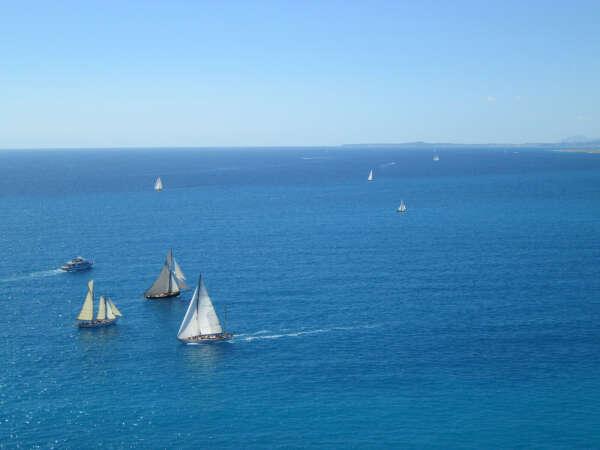 Путешествовать на яхте