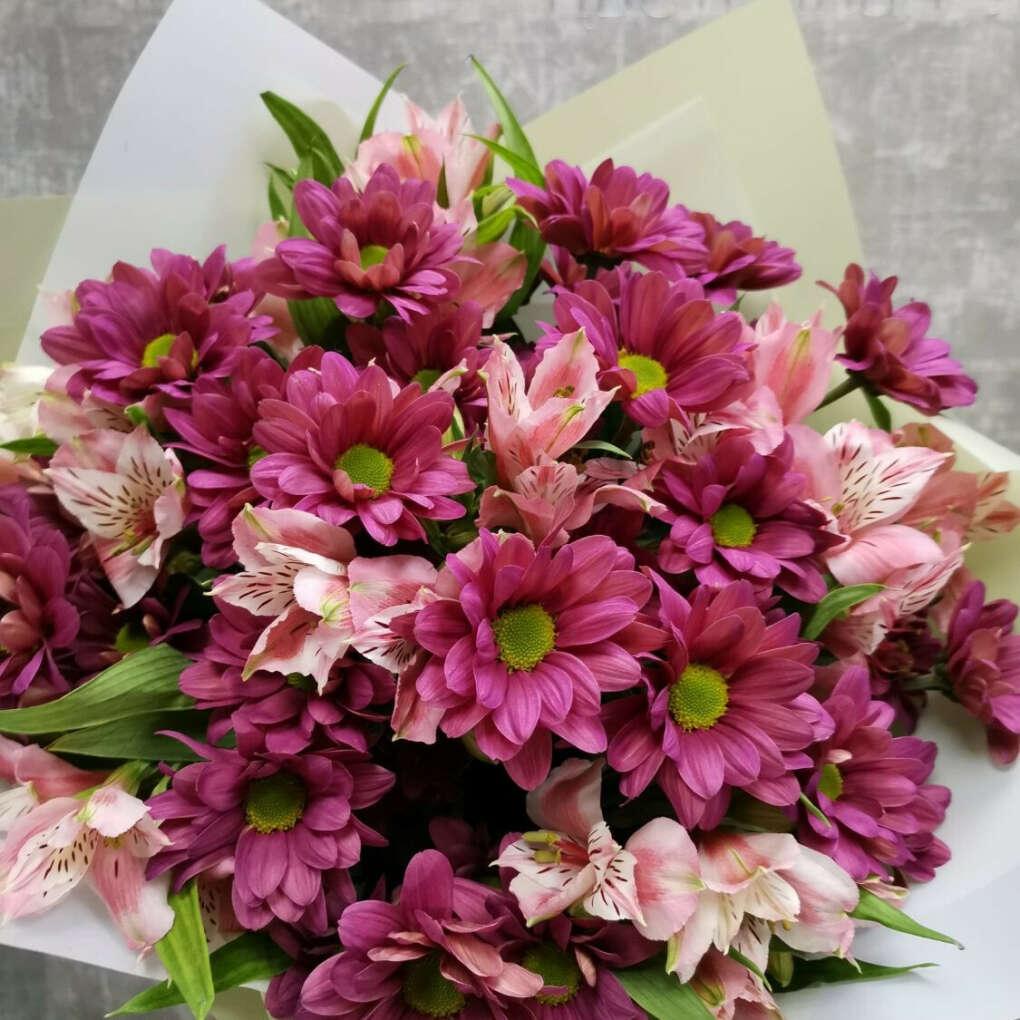 Букет альстромерий и хризантем