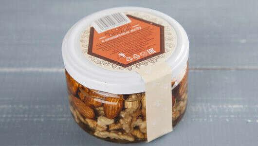 Ассорти орехов в акациевом меду