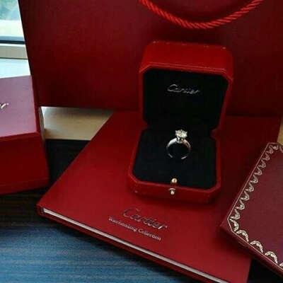 обручальное кольцо от Cartier