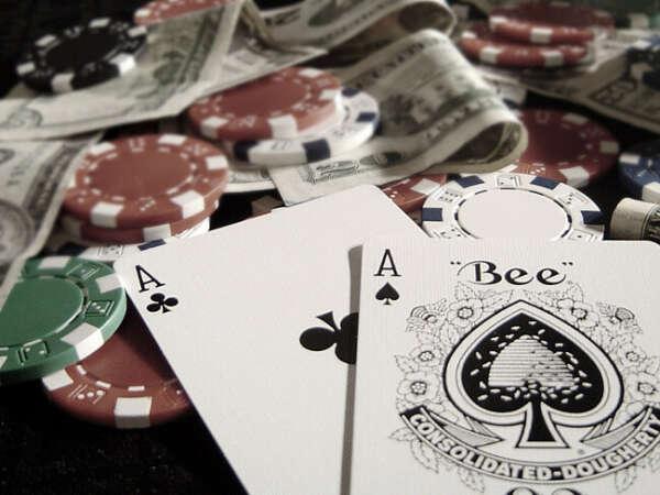 Научиться играть в покер