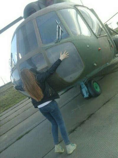 самостоятельно управлять вертолетом!