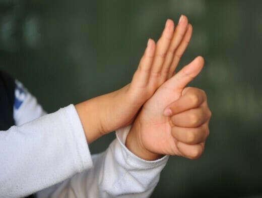 выучить язык глухонемых