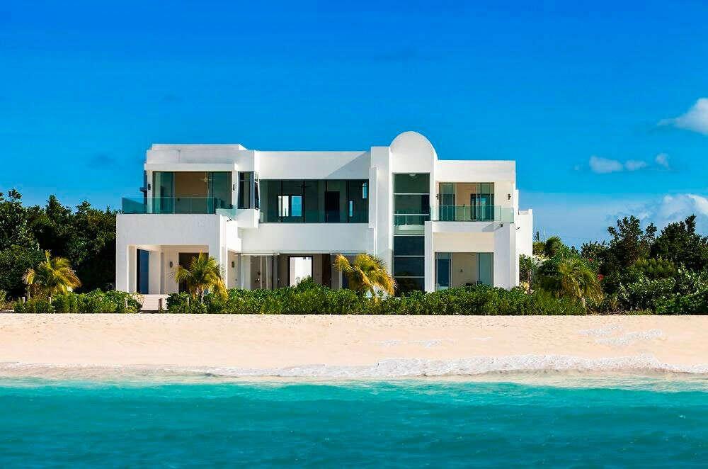 Уютный дом у моря с пляжем