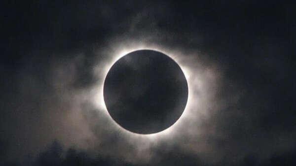 Понаблюдать лунное затмение