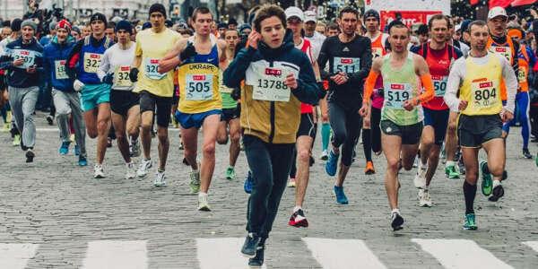 Пробежать марафон 11.04.2015, Kharkov, и быстрее, чем пройдет 4 часа!