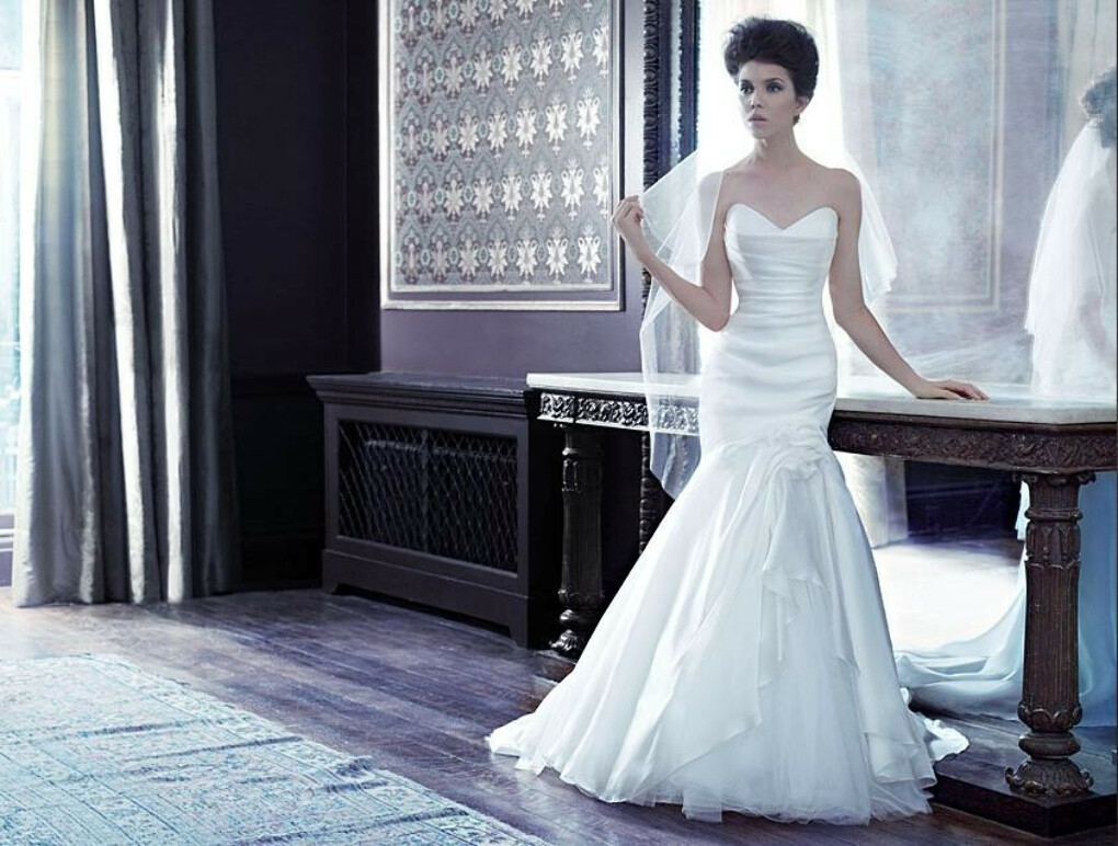 Beautiful by Suzanne Neville Wedding dress