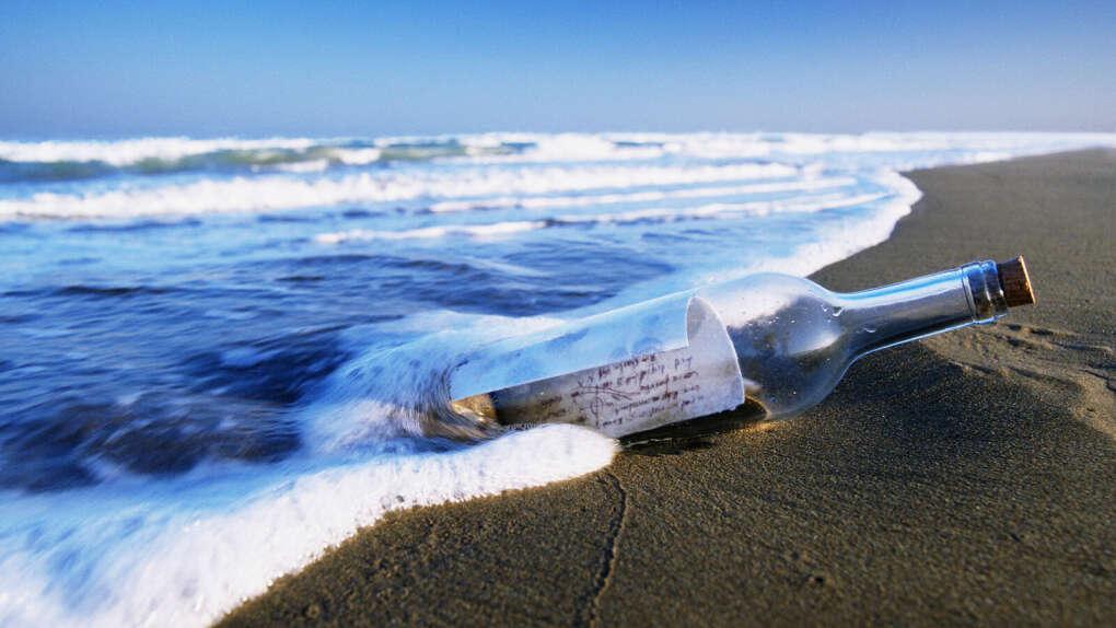 Бросить бутылку с запиской в море