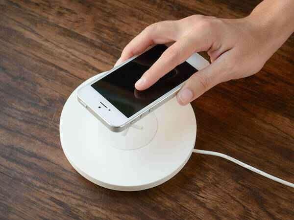 Беспроводная зарядка для Apple