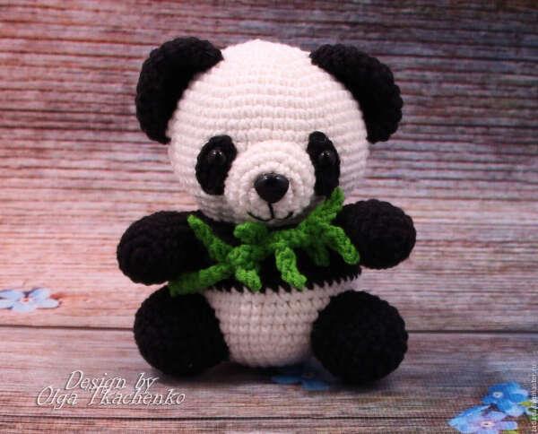 Вязанная панда