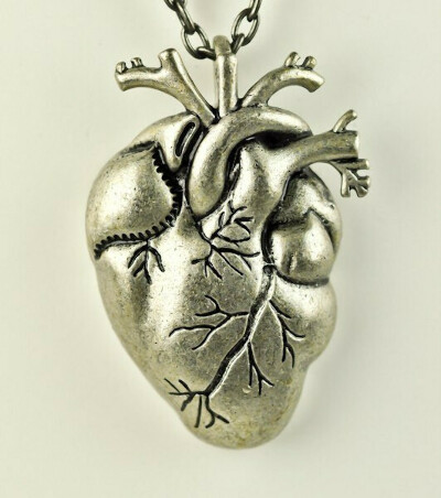Подвеска в виде сердца