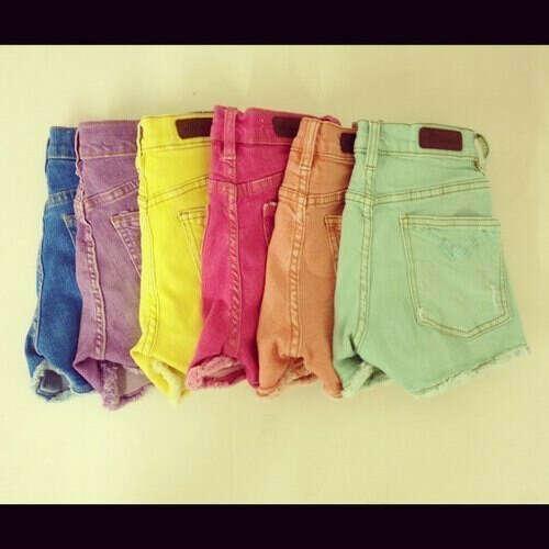 разноцветные шорты
