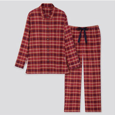 Новогодняя пижама красного цвета из фланели