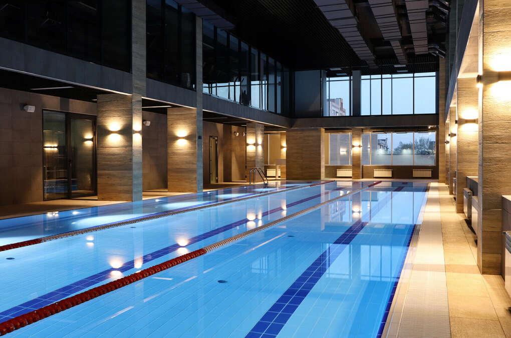 Карта в фитнес-центр с бассейном