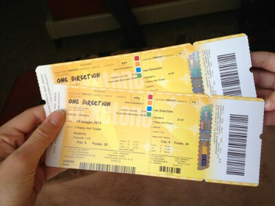 Два билета на концерт
