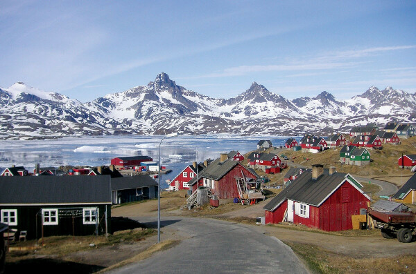 поехать в Гренландию