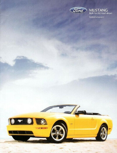 Ford mustang cabrio yellow