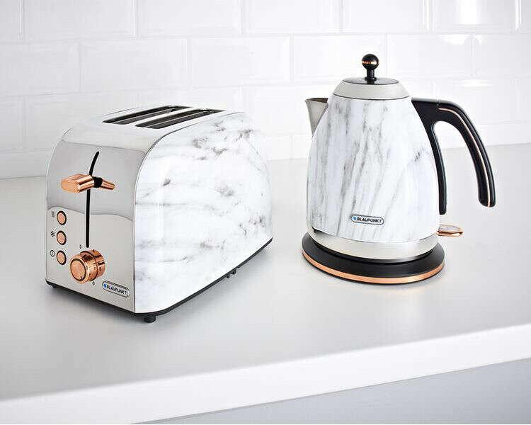 Чайник и тостер
