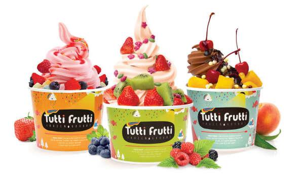 Замороженный йогурт в Tutti Frutti