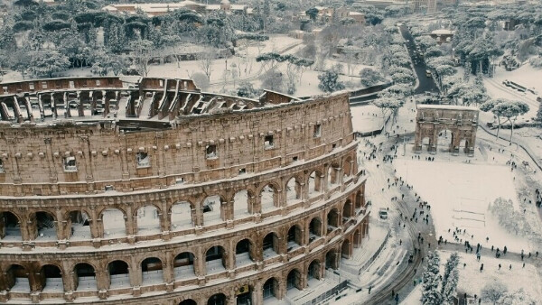 Сделать фото на фоне Колизея в Риме