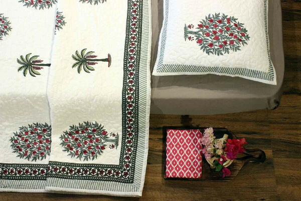 Tropical Feel Quilted Bedcover Set