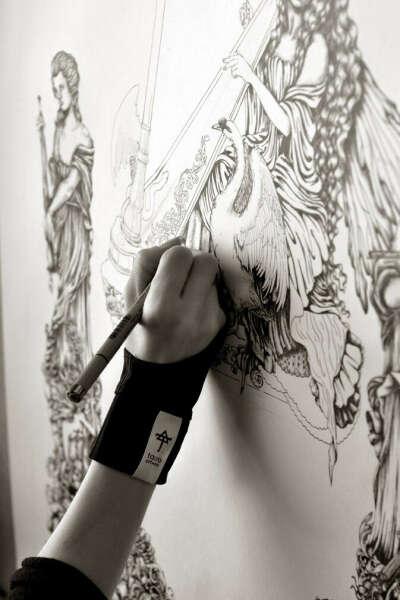 Перчатку для рисования