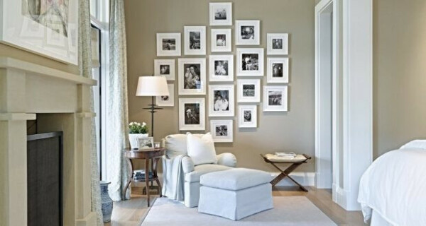 Обрамить старые семейные фото и повесить на стену
