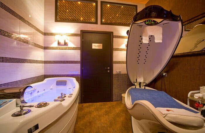 Быстрее установить ванну с джакузи в спа-салоне (сентябрь 2016)