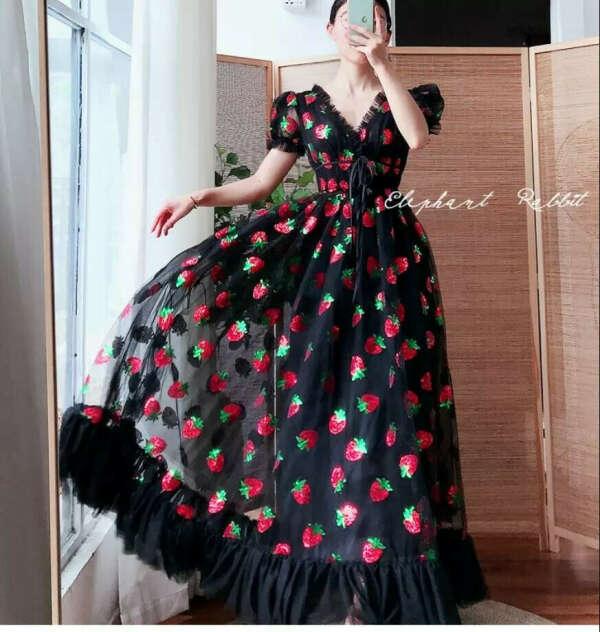 Strawberry dress (black)