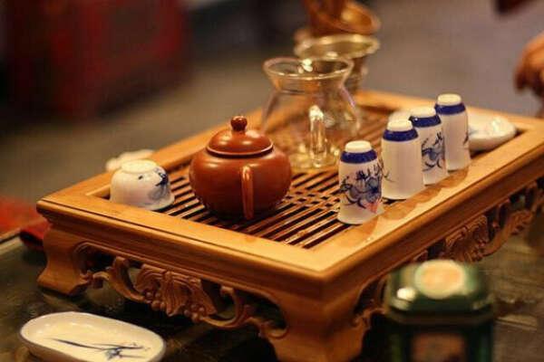 Чайный столик (чайная доска, чабань) для китайской чайной церемонии
