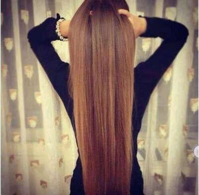 длинные красивые ,ухоженные волосы.